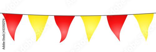 Valokuva  Guirlande de fanions jaunes et rouges