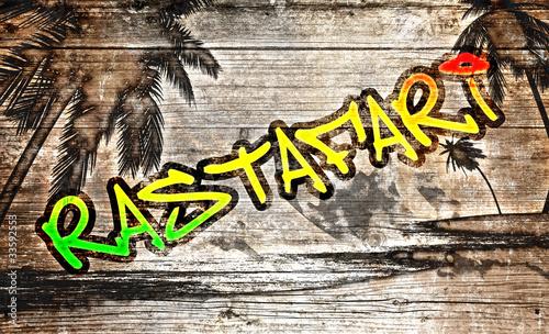 Plakat na zamówienie Rastafari Grafitti auf altem Holzbrett