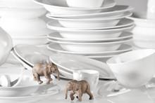 Elefanten Im Porzellan