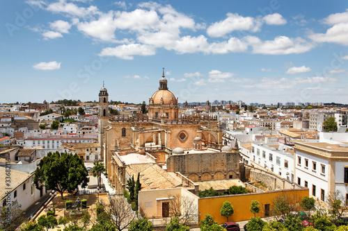 Blick auf Jerez de la Frontera mit Kathedrale, Spanien