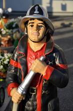 Feuerwehrmann - Gartenfigur