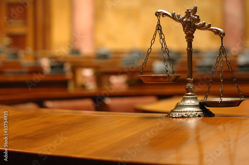 Decorative Scales of Justice in the Courtroom Slika na platnu