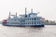 Paddle Steamer Louisiana Star