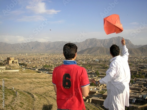 Canvas Print Flying Kites above Kabul