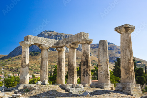 Ruins of temple in Corinth, Greece Canvas-taulu