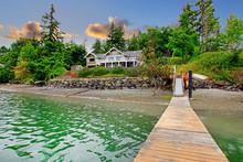 Luxury Waterfront Island House