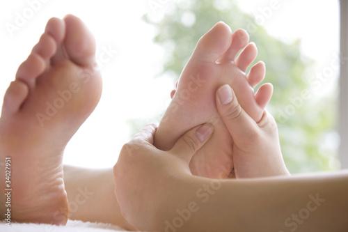Fotografia  足のマッサージを受ける女性