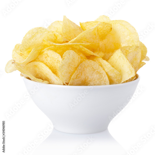 Fotografía  Potato chips bowl with clipping path