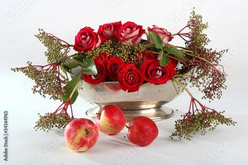 Fototapeta flowers, róże i jabłka obraz