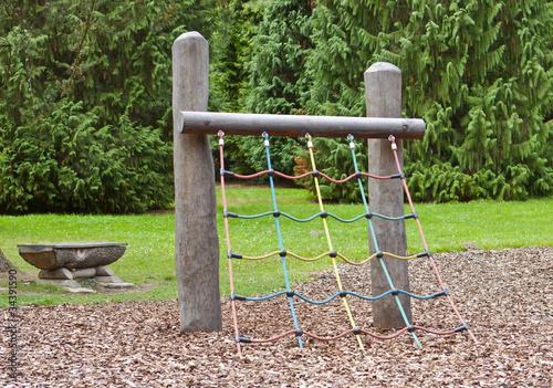 Klettergerüst Kinder Outdoor : Spielplatz klettergerüst für kinder u2013 kaufen sie dieses foto und