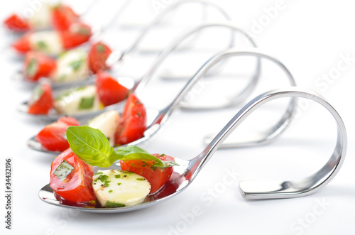 Recess Fitting Appetizer Caprese - Häppchen