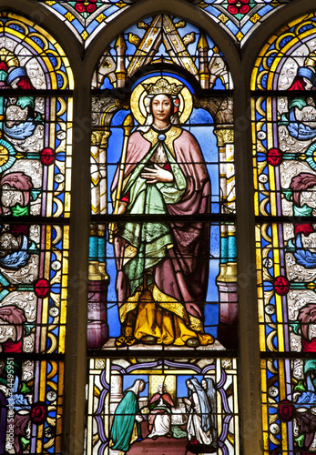 In de dag Stained Paris - windowpane from gothic church - virgin Mary
