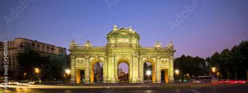 Spoed Fotobehang Madrid Puerta de Alcala, Madrid, Spain