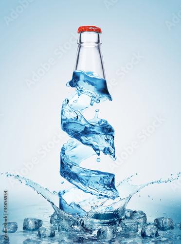 butelki-w-wodzie-wirowac