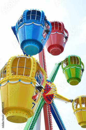 In de dag Amusementspark Kinderriesenrad