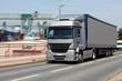 LKW in Fahrt mit Bewegungsunschärfe