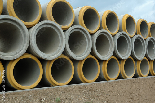 Concrete sewer pipe warehouse Canvas-taulu