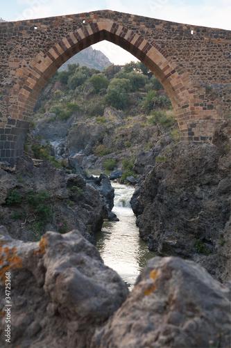 Αφίσα  The Saracens' bridge