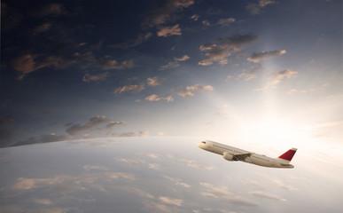 Flugreise über den Wolken