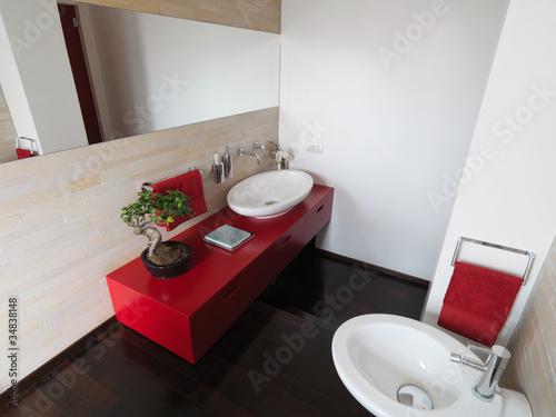 Bagno Moderno Rosso