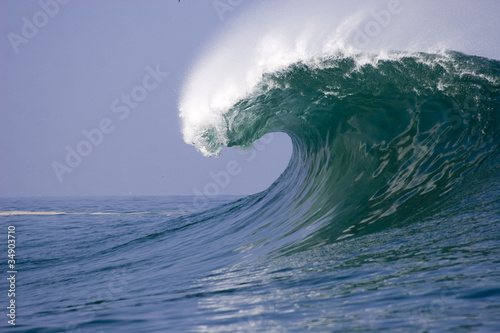 Spoed Fotobehang Water wave breaking at Iquique in Chile