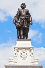 Samuel De Champlain Statue Que...