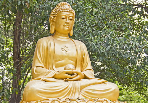 Buddha statue made of gold