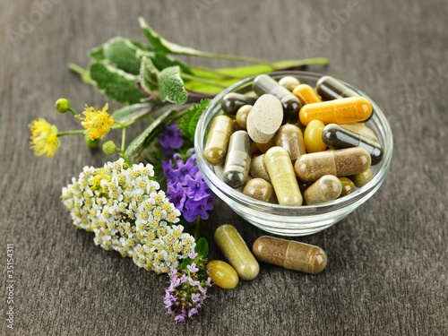 Fotografia  Herbal medicine and herbs