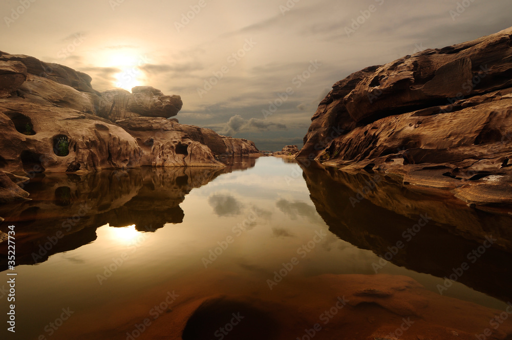sunrise head dog at Sam Phan Bhok Grand Canyon, Mekhong river, U