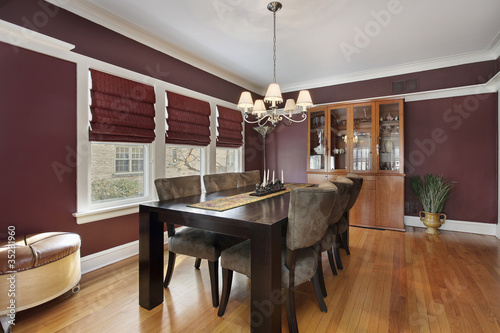 Fotomural  Dining room with maroon walls