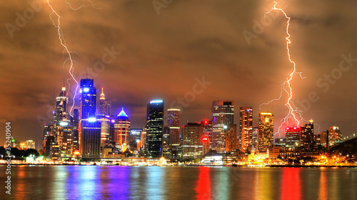 fototapeta na drzwi i meble Storm in the city (Sydney)