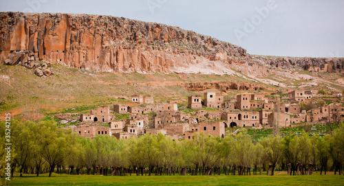 Fotobehang Midden Oosten Abandoned village at Kizilkaya