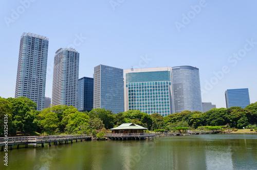 Foto op Aluminium Blauw Hamarikyu Gardens in Tokyo, Japan