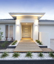 White Contemporary House Exter...