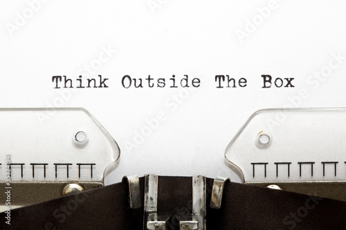 Foto  Typewriter THINK OUTSIDE THE BOX