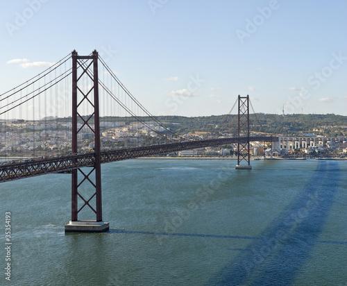 most-25-kwietnia-droga-przez-wode