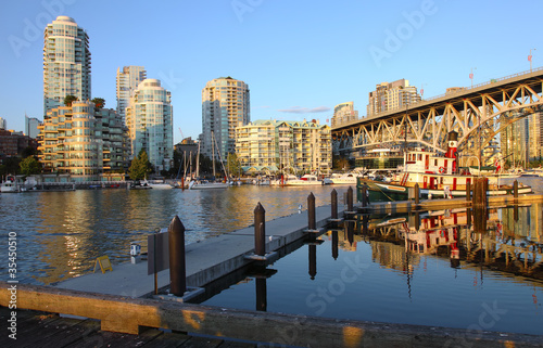 Photo  Sunset in Granville island Vancouver BC Canada.