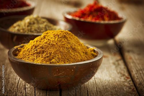 Foto auf Gartenposter Gewürze Spices Curry, Saffron, Turmeric