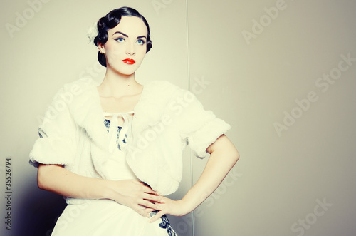 Photo  Young beautiful lady vintage