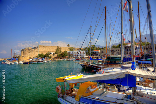 Spoed Foto op Canvas Cyprus Harbour and medieval castle in Kyrenia, North Cyprus
