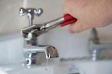 Plumber Vs Leaking Faucet