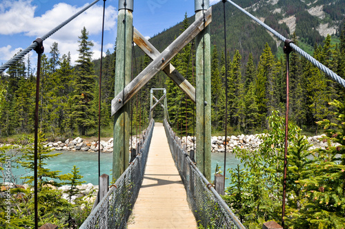 Spoed Foto op Canvas Canada Bridge over Vermilion river at Kootenay National Park, Canada