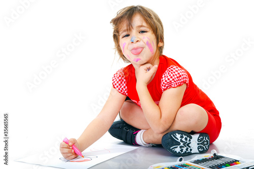 Valokuva  Bambina che gioca