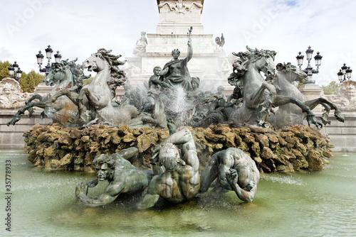 Montage in der Fensternische Fontane Monument des Girondins fountain, Bordeaux, France
