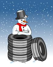 Schneemann Mit Winterreifen-stapel
