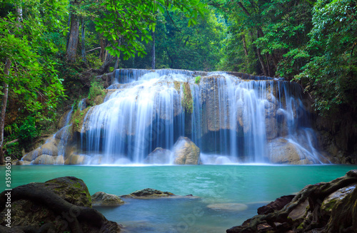 Photo Stands Night blue Erawan Waterfall, Kanchanaburi, Thailand
