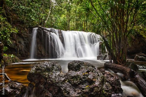 wodospad-w-phu-quoc-wietnam