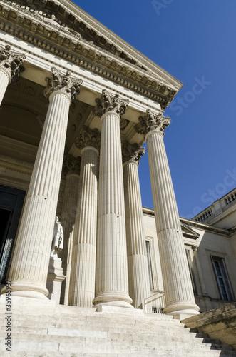 Valokuva  colonnes de palais de justice