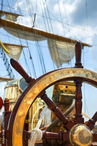 Keuken foto achterwand Schip Old ship wheel