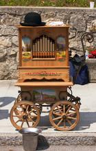 Music Machine, Barrel Organ.